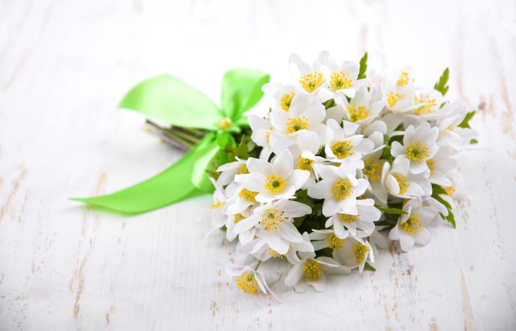 Bouquet Sposa Gelsomino.Fiori Di Gelsomino Per Un Matrimonio D Agosto Bon Bon Flower